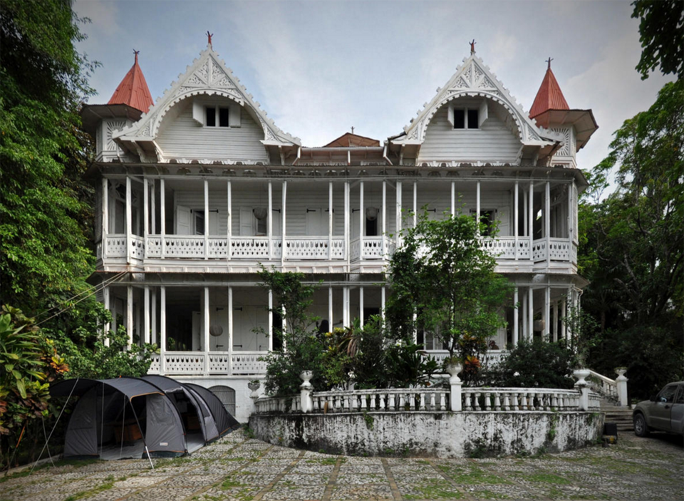The 1912 Peabody House In Pacot, Haiti Survived The 2010 Earthquake Almost  Undamaged. Photo